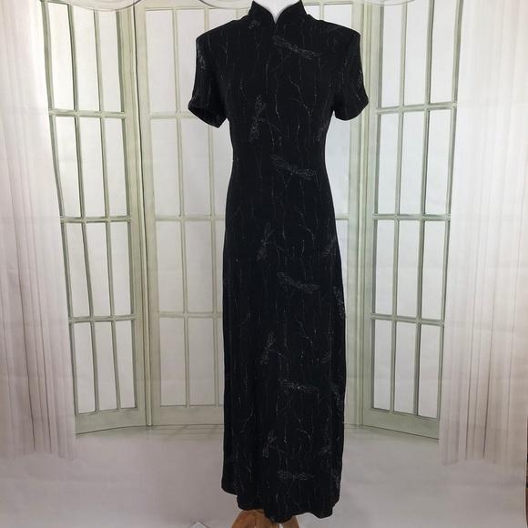 bf7d8621 Jessica Howard Dresses & Skirts - Slinky Silver Glitter Dragon Motif Sheath  Dress